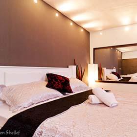 חדרים לפי שעה בתל אביב. חדרי אירוח ביפו. חדרים דיסקרטיים במרכז. סוויטות לפי שעה ביפו.
