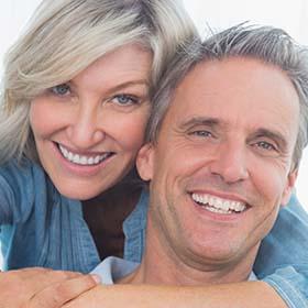 מרפאת שיניים בפתח תקווה חן דנט. רופא שיניים בפתח תקווה. רופא שיניים חירום. השתלת שיניים.