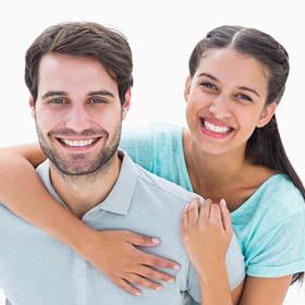 מרפאת שיניים בחולון Smile Designer. רופא שיניים בחולון. השתלת שיניים במרכז הארץ. הלבנת שיניים בחולון.