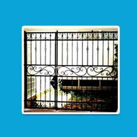 מסגרית אורדן בראשון לציון. עבודות מסגרות במרכז. סורגים מתקפלים במרכז. תריסי גלילה מפלדה. חלון בלגי מברזל. דלתות מוסך.