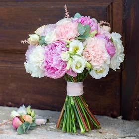 חנות פרחים בנצרת עילית - X-Flowers. משלוחי פרחים. קישוט רכב לחתונה בנצרת עילית. זרי כלה בנצרת עילית.