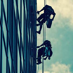 Rope Partners - עבודות בגובה, עבודות סנפלינג, עבודות איטום בגובה, חיזוק אריחי שיש, שיקום בטון, רשת נגד יונים.